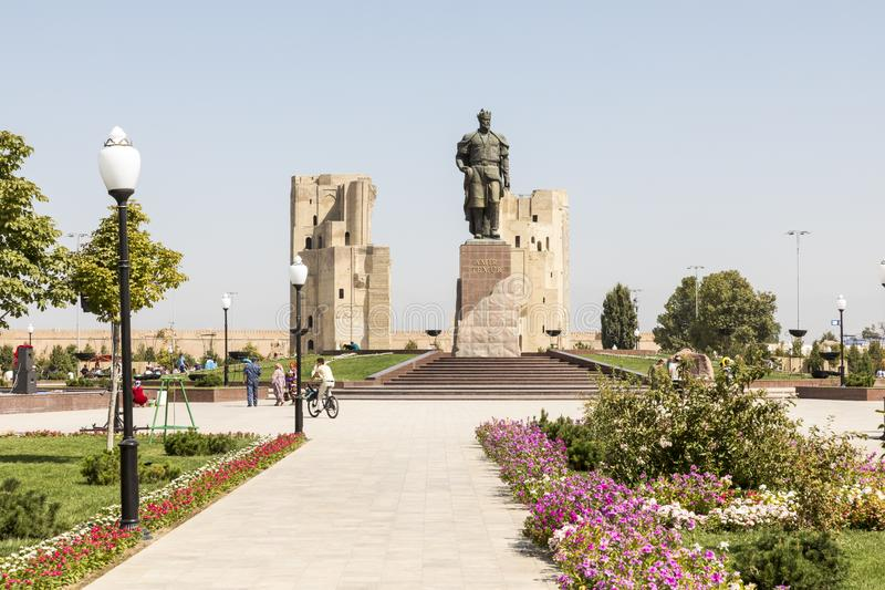 Le monument au conquérant Amir Timur de Turco-mongole dans Shahris photos stock