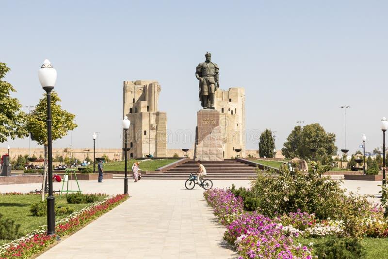 Le monument au conquérant Amir Timur de Turco-mongole dans Shahris photo libre de droits