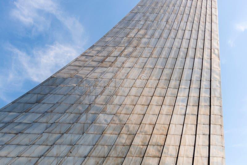 Le monument aux conquérants de l'espace image stock