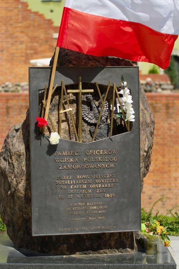 Le monument aux 22.000 dirigeants d'armée polonaise assassinés en 1940 par des Soviétiques dans Katyn photographie stock