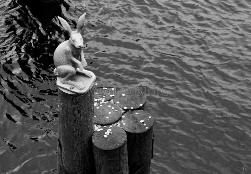 Le monument d'un lièvre photo stock