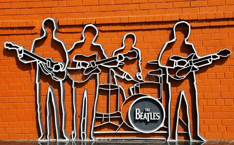 Le monument de Beatles dans Ekaterinburg images libres de droits
