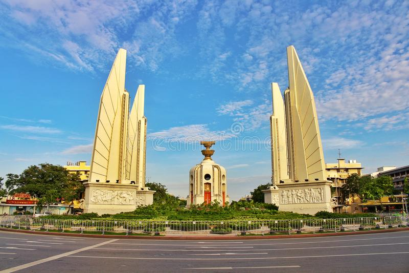 Le monument de démocratie de paysage est un symbole politique la Thaïlande du 14 octobre à Bangkok image libre de droits