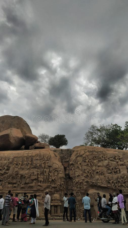 Le monument de la Pénitence d'Arjuna à Mahabalipuram alias Mamallapuram à Tamilnadu photographie stock libre de droits