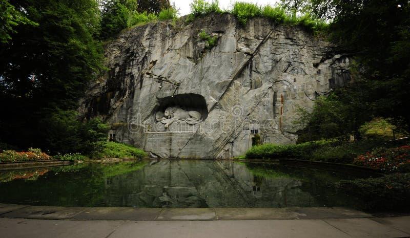 Monument de lion de Loewendenkmal Lucerne images stock