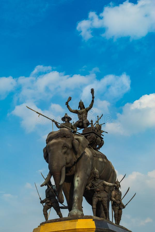 Le monument du Roi Sri Suriyothai chez Thung Makham Yong photo stock