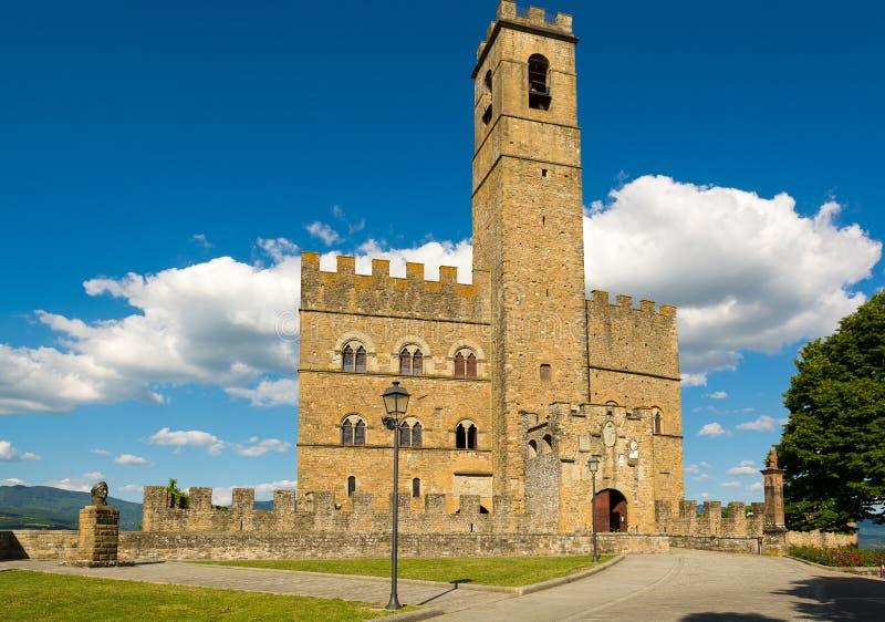 Le monument public pour visiter le château de Poppi, images stock