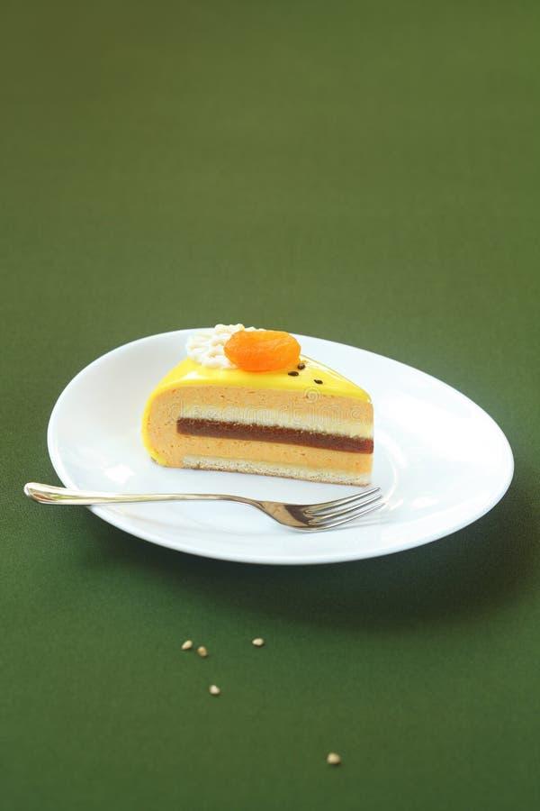 Le morceau de miel, le Mer-nerprun et l'abricot Entremet jaune durcissent photos stock