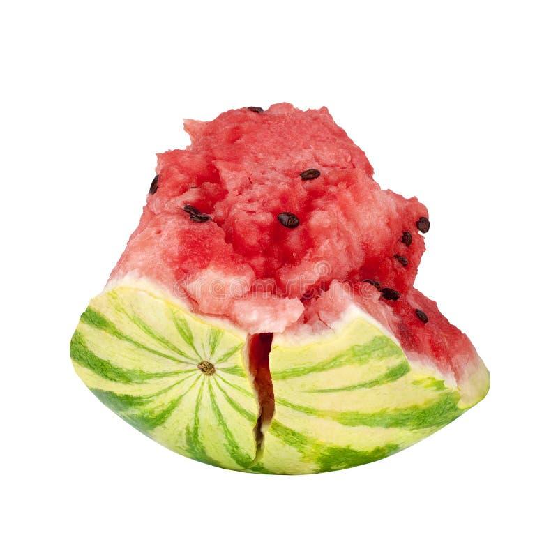 Le morceau rouge de pastèque sur la fin d'isolement par fond blanc, a coupé en tranches la pastèque avec la peau verte, demi past photographie stock libre de droits