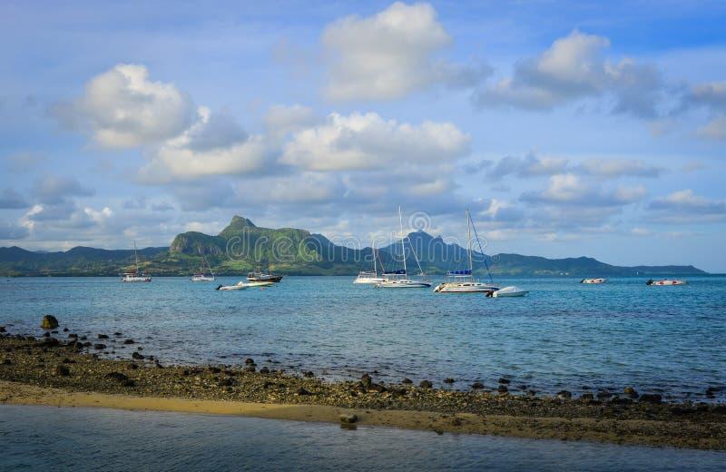 Le Morne海景在夏天在毛里求斯 免版税库存图片