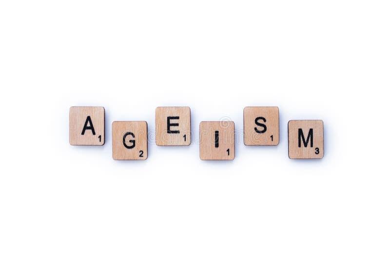 Le mot ÂGISME photos stock