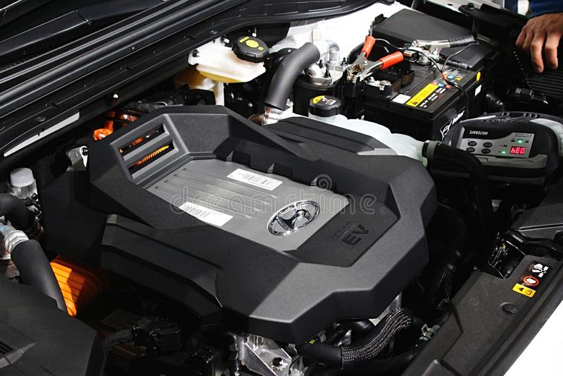 Le moteur de la pile à combustible moderne d'hydrogène a actionné la voiture Hyundai Nexo de SUV photographie stock