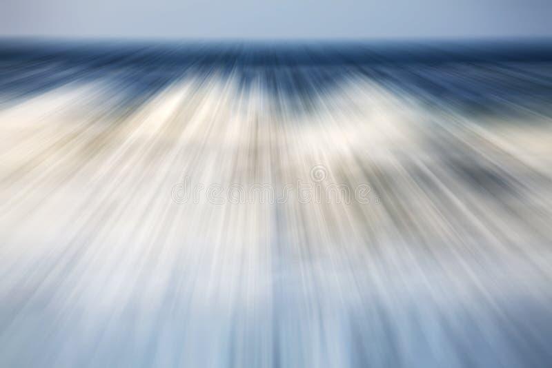 Le mouvement a brouillé la photo d'une mer, fond de nature image stock