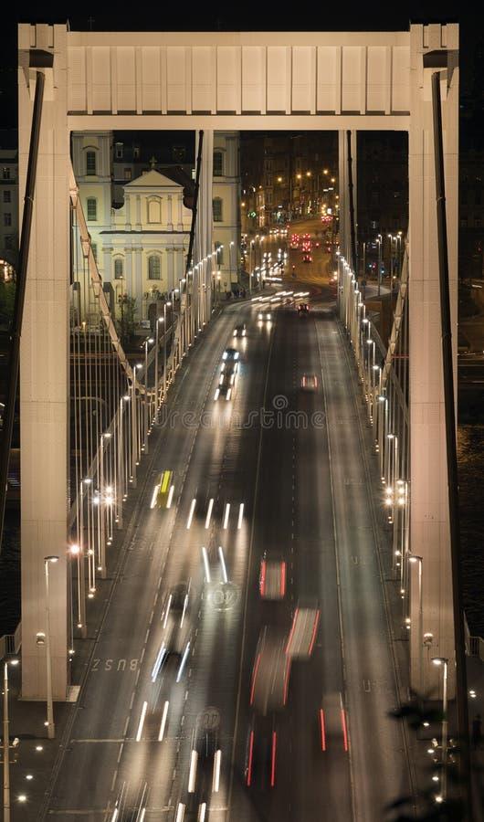 Le mouvement sur le pont photos stock
