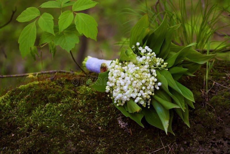 le muguet de bouquet de mariage photo stock image du centrale d coration 46415982. Black Bedroom Furniture Sets. Home Design Ideas
