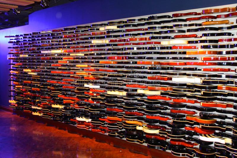 Le mur de guitare, un vrai ?uvre d'art, entrée de Hard Rock Cafe, New York City, Etats-Unis image libre de droits