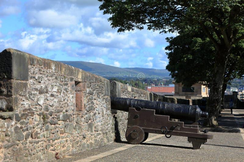 Le mur de ville de Derry en Irlande du Nord photos stock
