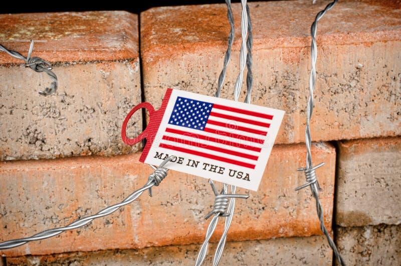 Le mur, un concept d'immigration photographie stock libre de droits