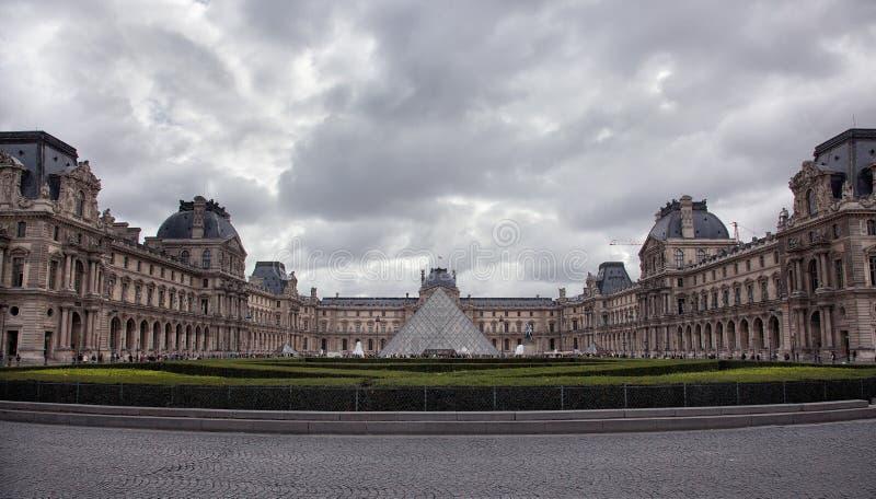 Le musée du Louvre photos stock