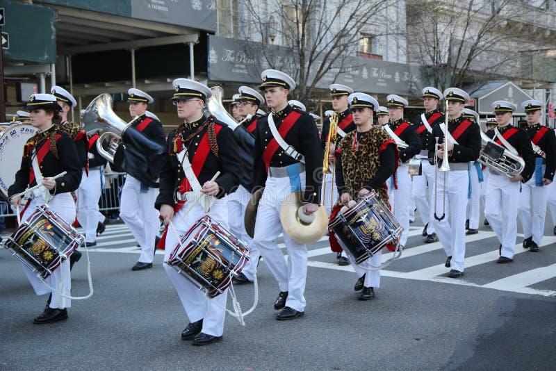 Le négociant Marine Academy des Etats-Unis marchant au défilé de jour du ` s de St Patrick à New York photo libre de droits