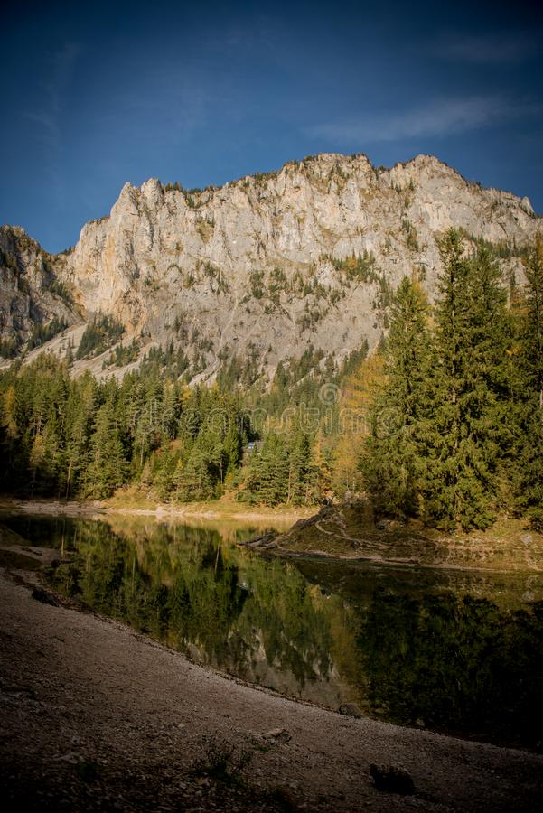 Le ner de ¼ de Grà voient le lac vert photo stock