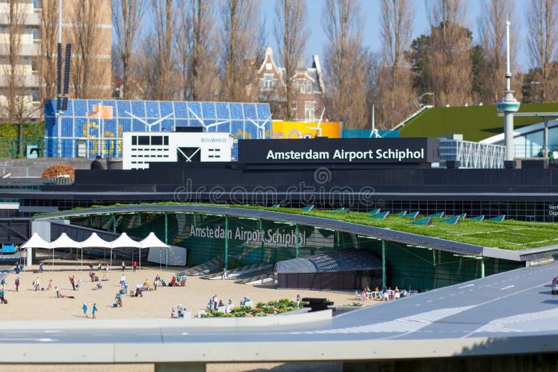 LE NETHELANDS : Modèle d'airoport Schiphol d'Amsterdam en parc miniature Madurodam images libres de droits
