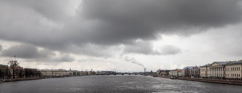 Download Le Neva photo stock. Image du soviétique, abstrait, panoramique - 76087014