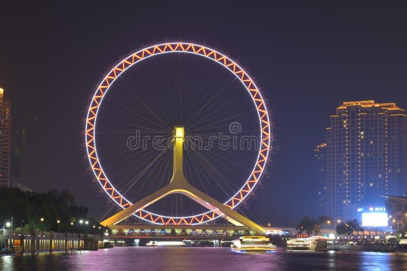 Le nightscape de l'oeil de Tianjin image stock