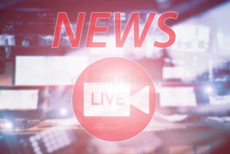 Le notizie vivono Studio di radiodiffusione su aria Il suono di media, la radio e l'annotazione della televisione sui monitor han immagine stock