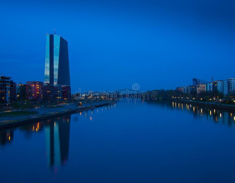 Le nouveau bâtiment de la Banque Centrale Européenne siège, Francfort images stock