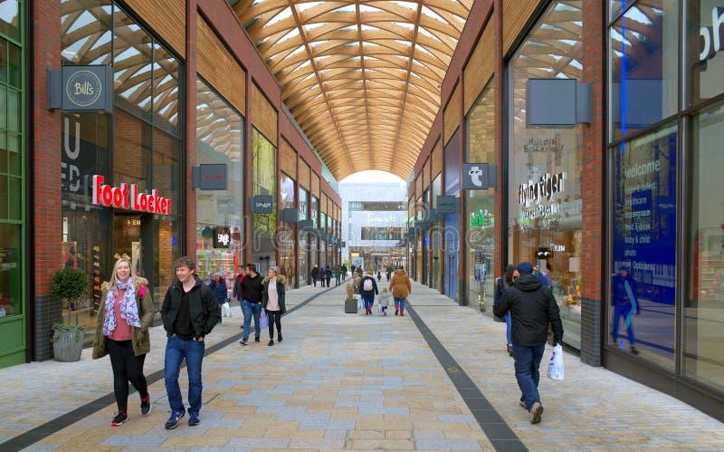 Le nouveau centre commercial de lexique dans Bracknell, Angleterre photos libres de droits