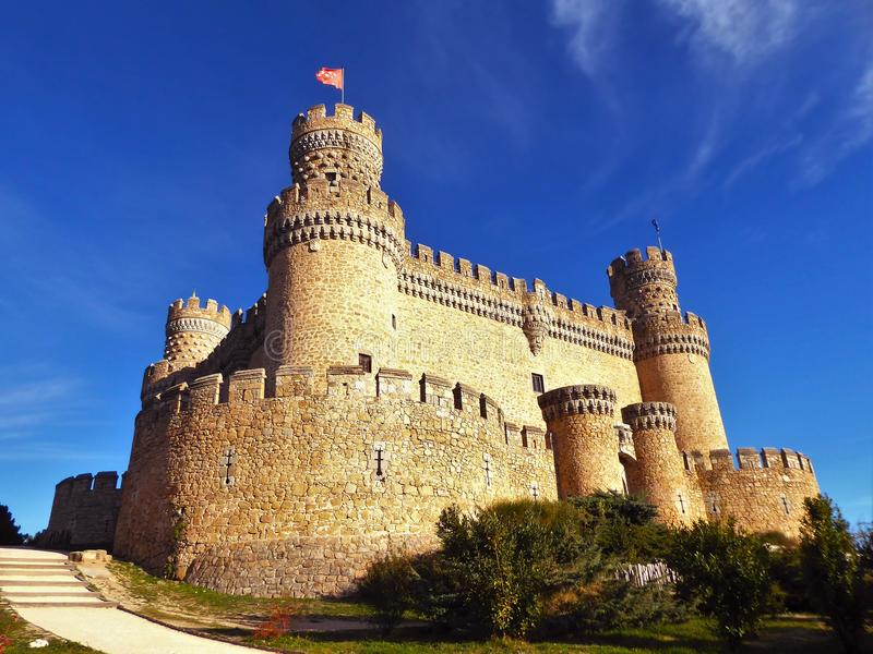 Le nouveau château de Manzanares el Real, également connu sous le nom de château de visibilité directe Mendoza photo libre de droits