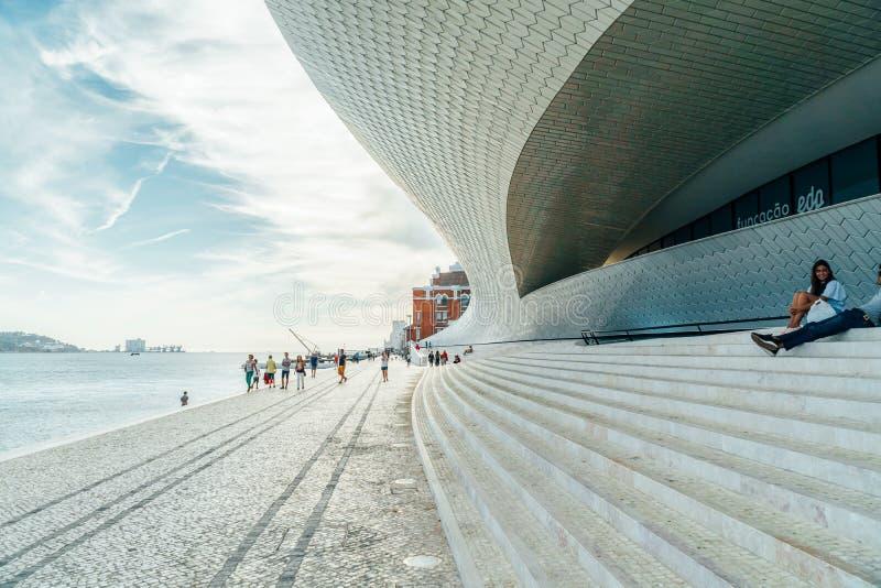 Le nouveau Musée d'Art, architecture et Technology Museu de Arte, Arquitetura e Tecnologia ou MAAT photo libre de droits