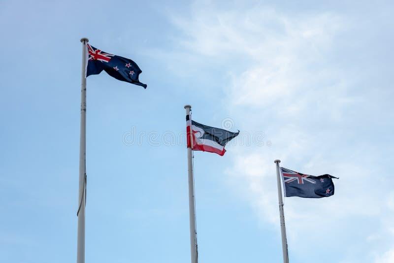 Le Nouvelle-Zélande et Maori Flags Fly Together image stock