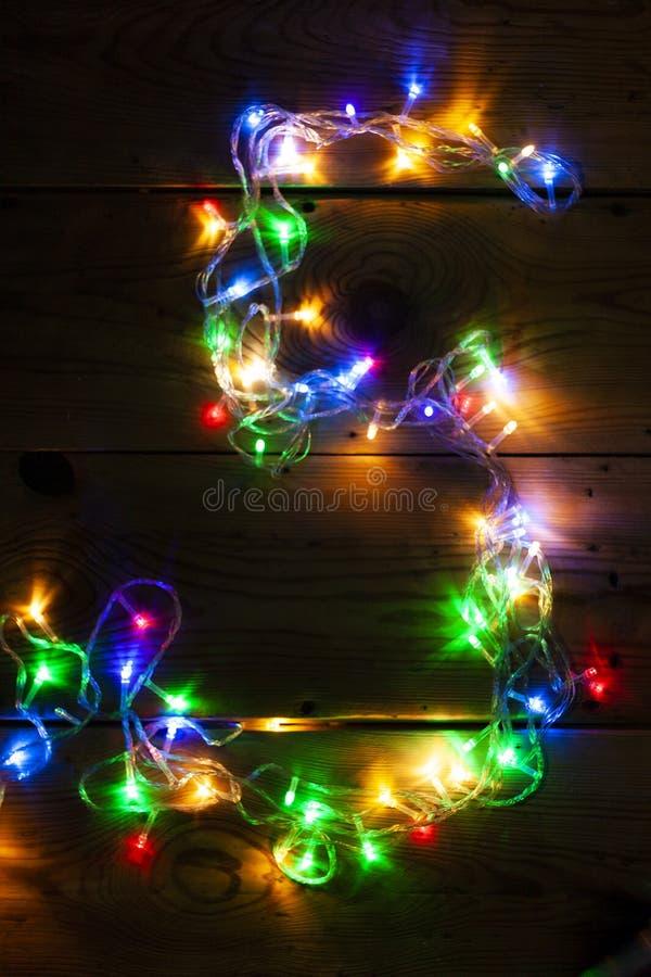 Le numéro 5 a fait avec les lumières de guirlande de Noël photos libres de droits