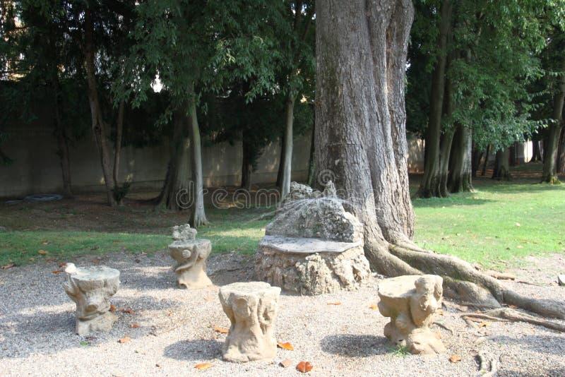 Le Nymphaeum de la villa Visconti Borromeo Arese Litta - Lainate Italie photographie stock