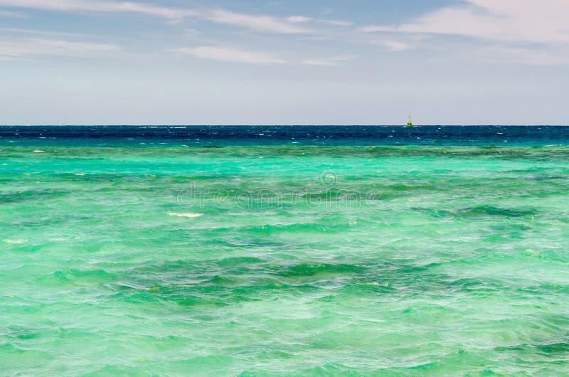 Le onde del Mar Rosso immagini stock