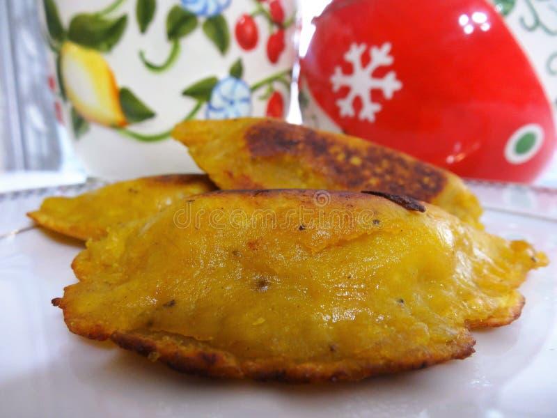 Le pâté en croûte traditionnel de platain de nourriture du Honduras a rempli de fruit ou de viande 2 photo libre de droits