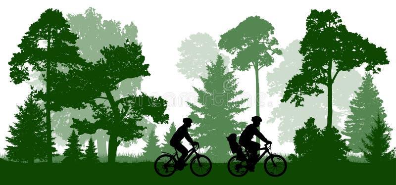 Le père de famille, la femme et l'enfant monte les bicyclettes en parc illustration libre de droits