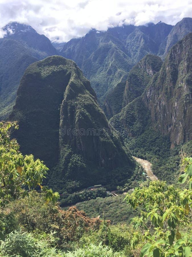 Le Pérou, Machu Picchu, réserve naturelle, falaise, escarpement, phénomène géologique images libres de droits