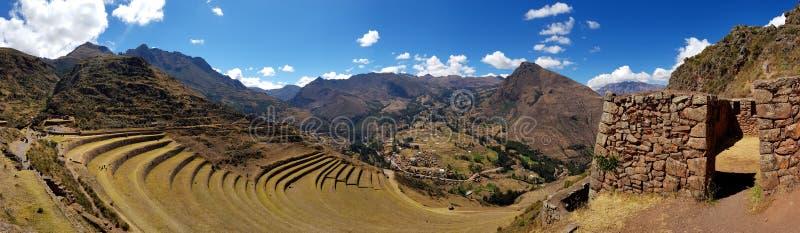 Le Pérou, Pisac Pisaq - ruines d'Inca dans la vallée sacrée dans les Andes péruviens photographie stock libre de droits