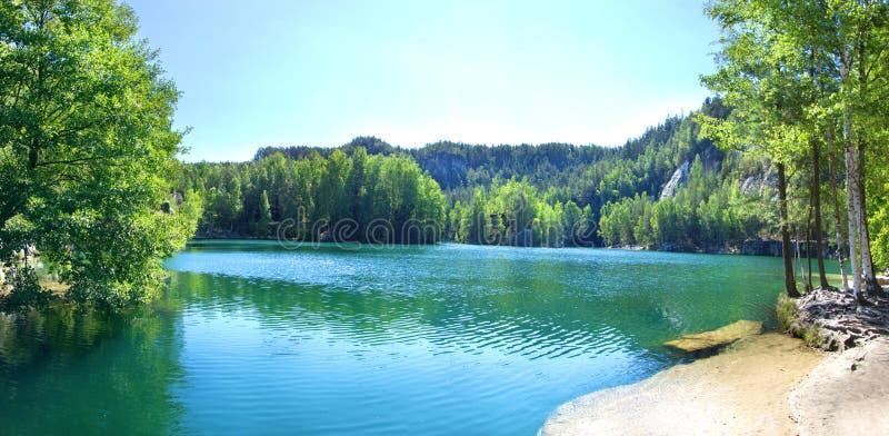 Le pach-Teplice de ¡ d'AdrÅ bascule dans la République Tchèque Lac Piskovna image stock