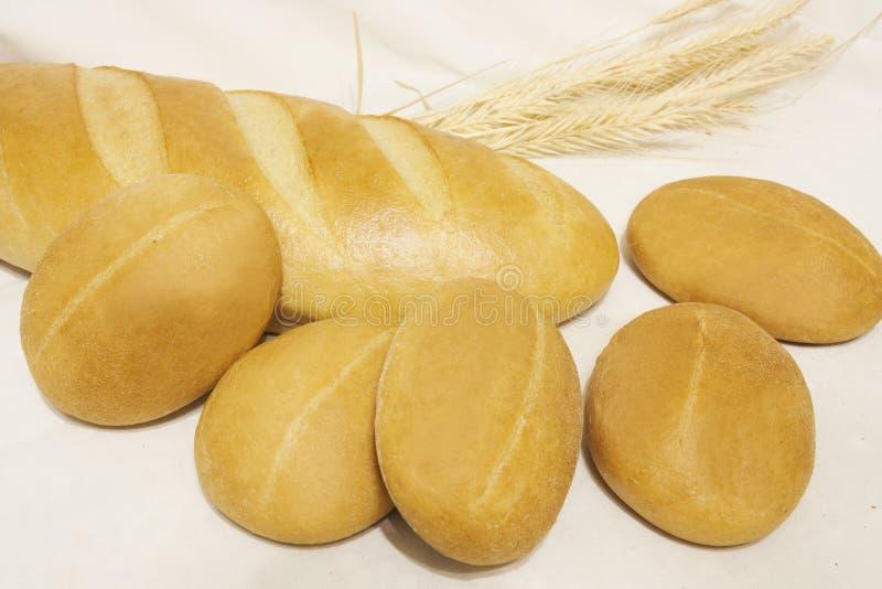 Le pain sur la table photographie stock libre de droits