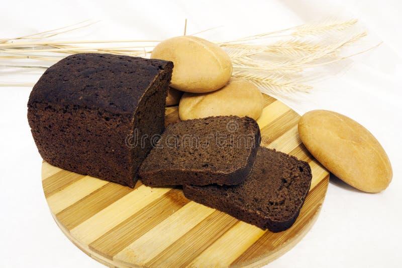 Le pain sur la table images libres de droits