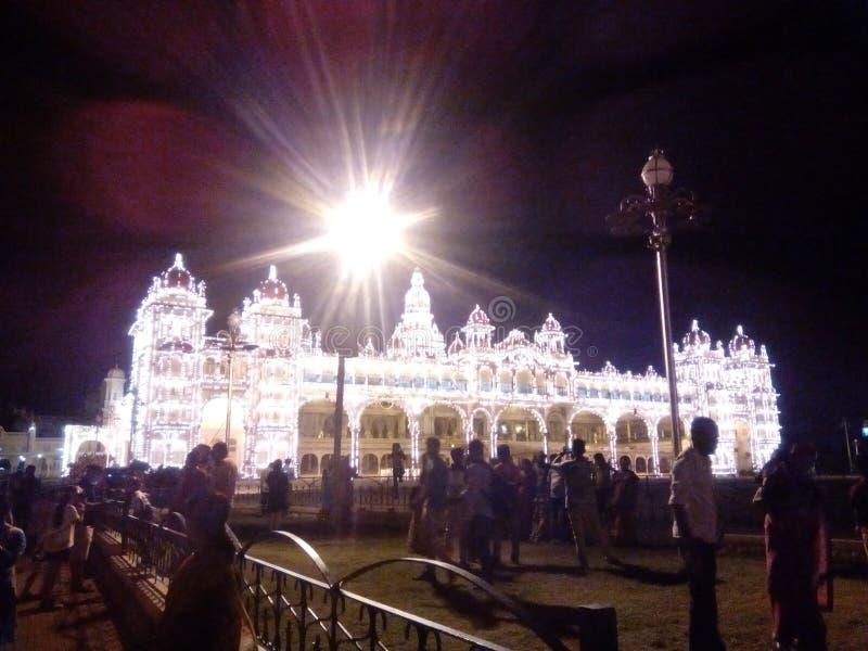 Le palais de Mysore allume le festival de dasara photographie stock libre de droits