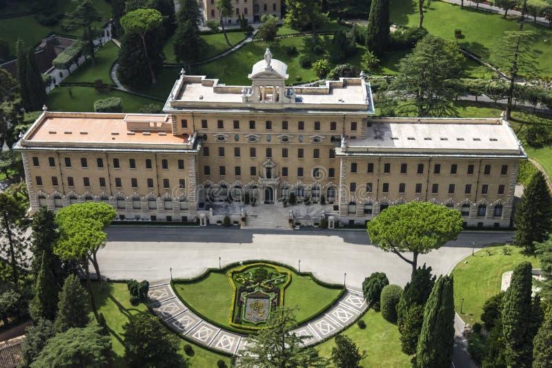 Le palais du ` s de gouverneur dans des jardins de Vatican Seat de la Commission pontificale pour l'État de la Cité du Vatican image stock