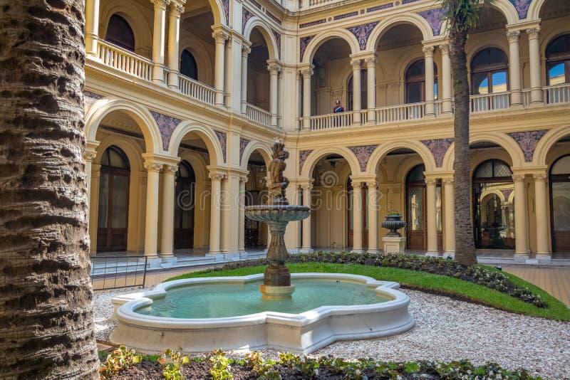 Le palmier Patio Patio de las Palmeras au palais présidentiel de Rosada de maison - Buenos Aires, Argentine photo libre de droits