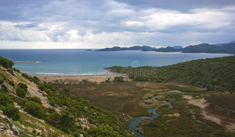 Le panaroma de la plage de Cayagzi, Demre, Antalya, T photo libre de droits