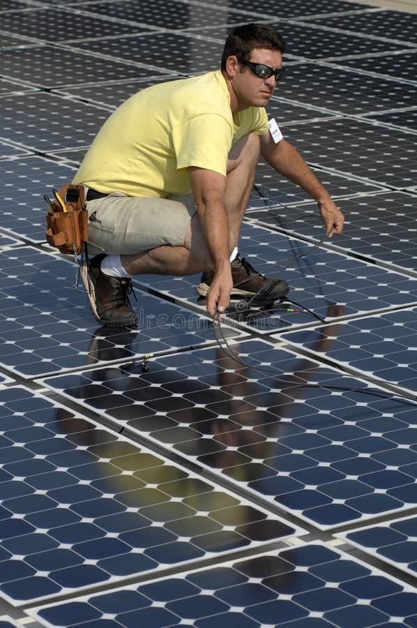 Le panneau solaire installent 2 photographie stock libre de droits