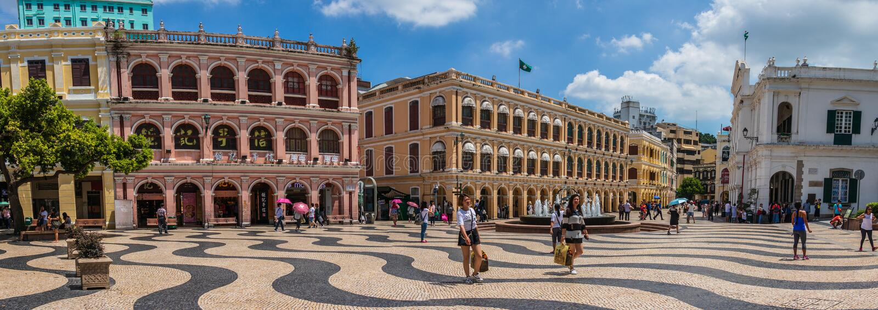 Le panorama de la place centrale historique Largo font Senado, sénat avec les bâtiments européens de style et la zone piétonnière image stock